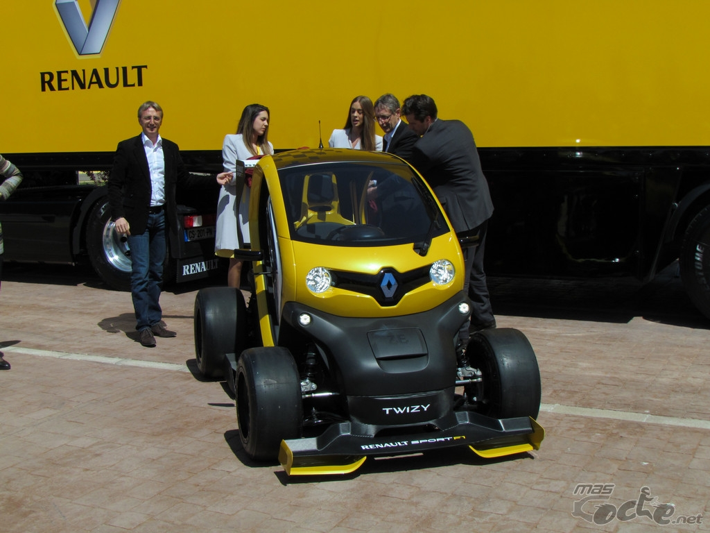 100 renault twizy f1 review renault twizy interior. Black Bedroom Furniture Sets. Home Design Ideas