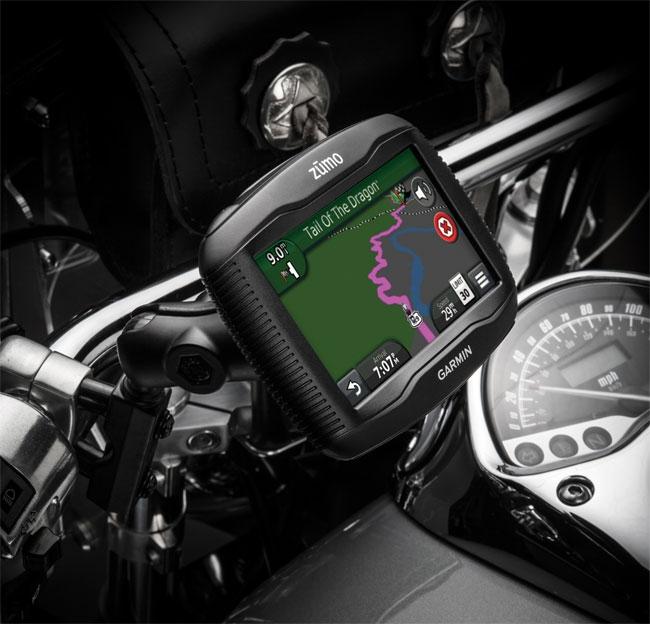 Мотоциклетный GPS-навигатор Garmin zumo 390LM