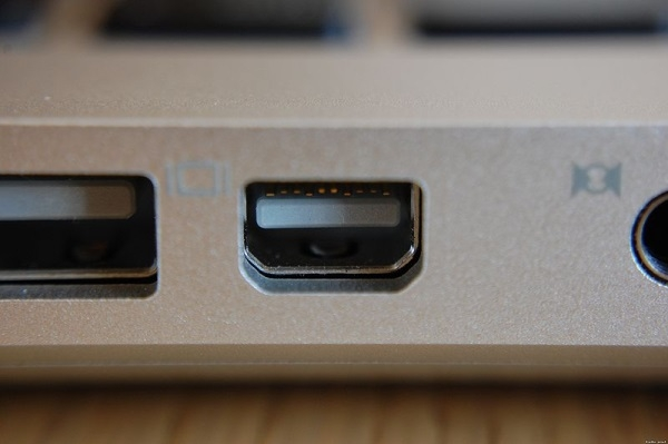 Mini-DisplayPort на Apple MacBook