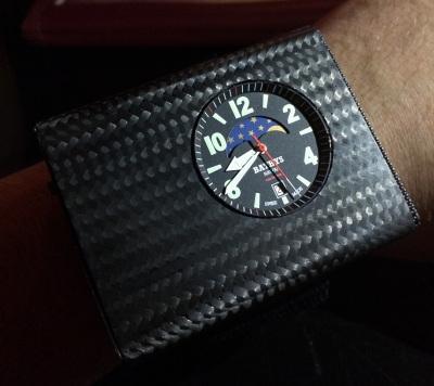 Часы наручные когда появились bombfrog часы купить