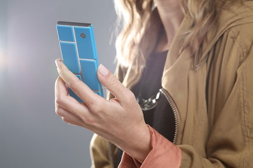 b85006fd3ac01 В качестве награды эти 100 человек станут первыми, кто получит смартфоны Ara  — бесплатно.
