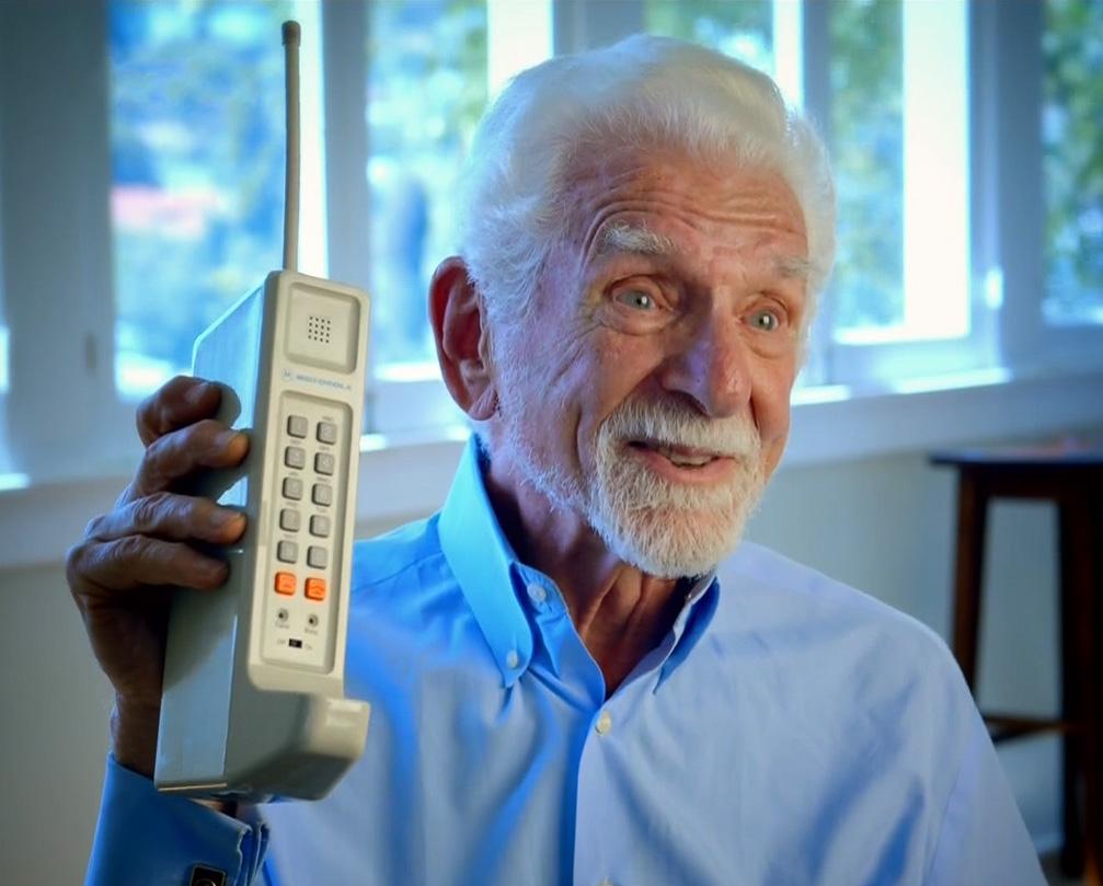 завод витковице первые в мире сотовые телефоны фото общем, все