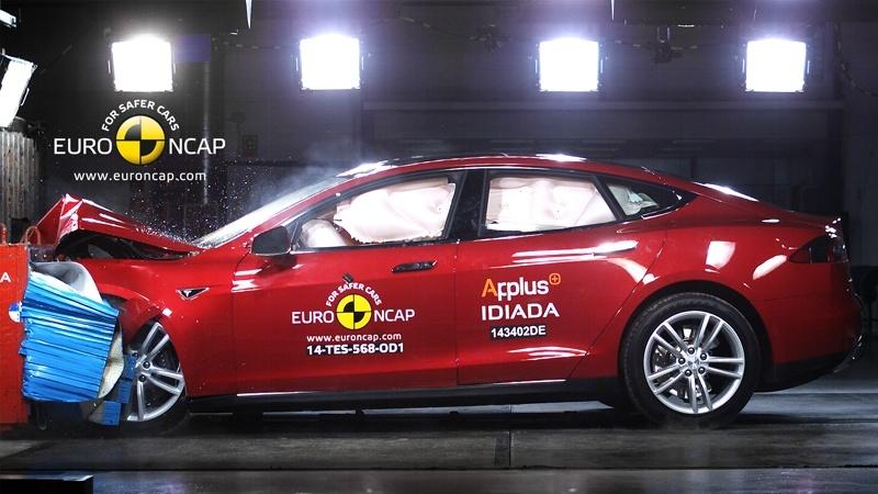 euro ncap в очередной раз провела краш-тесты шести новых автомобилей: bmw 2-series active tourer, nissan pulsar, renault megane, skoda fabia, suzuki celerio и tesla model s.