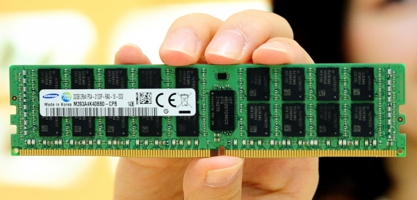 Модуль памяти DDR4 производства Samsung Electronics