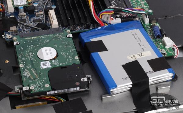 Крепление жёсткого диска и аккумуляторной батареи
