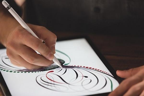 Эпл Pencil может узнавать мощь нажатия и готов для рисования