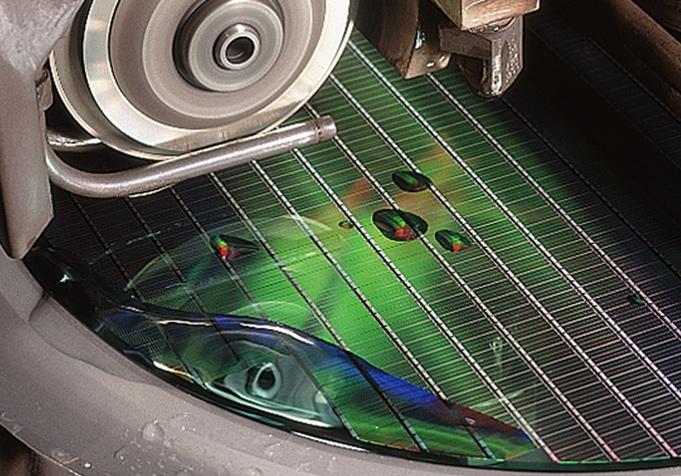 Производство DRAM на фабрике Micron