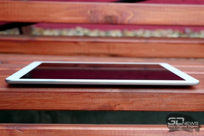 Apple iPad Pro, левое ребро: по центру – контактная площадка для Smart Keyboard