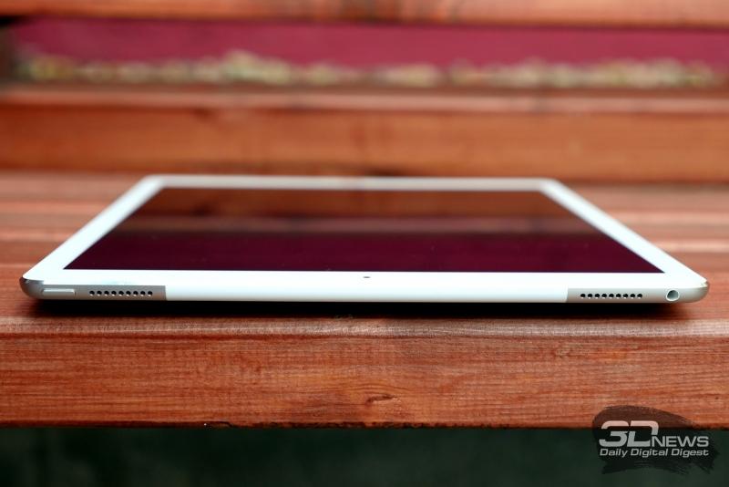 Apple iPad Pro, верхний торец: кнопка включения, миниджек для наушников и еще два динамика
