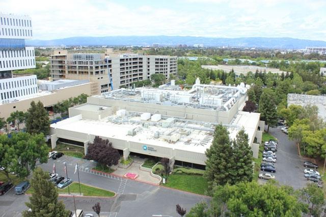 Фабрика Apple в Сан-Хосе по соседству с офисом Samsung (источник: ATREG)