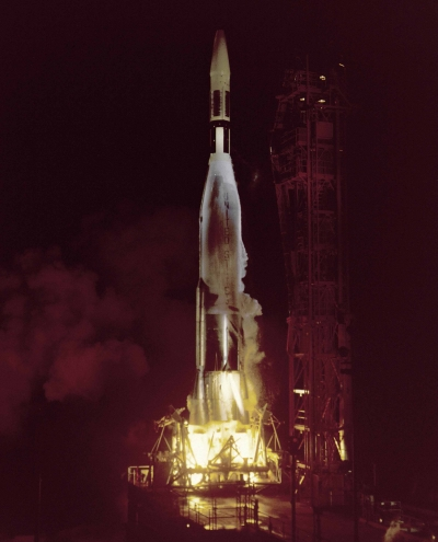 Старт ракеты-носителя Atlas-Agena B с космическим аппаратом Ranger I