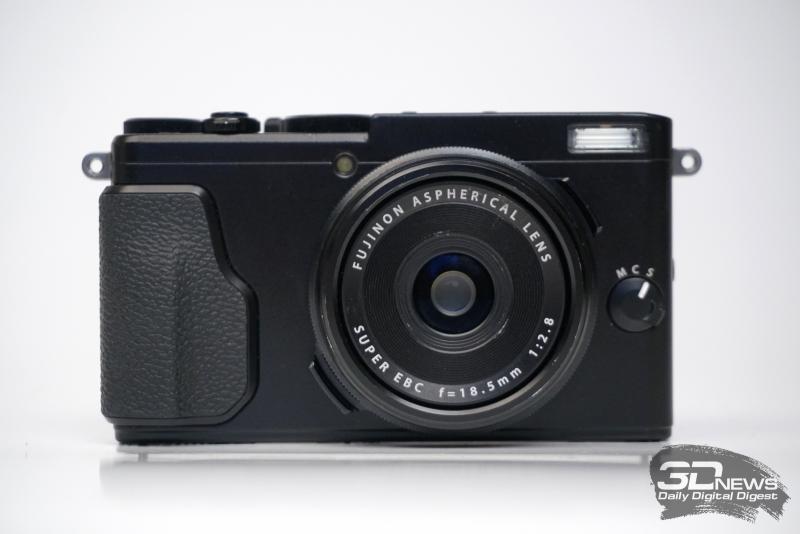 Fujifilm X70, фронтальная панель