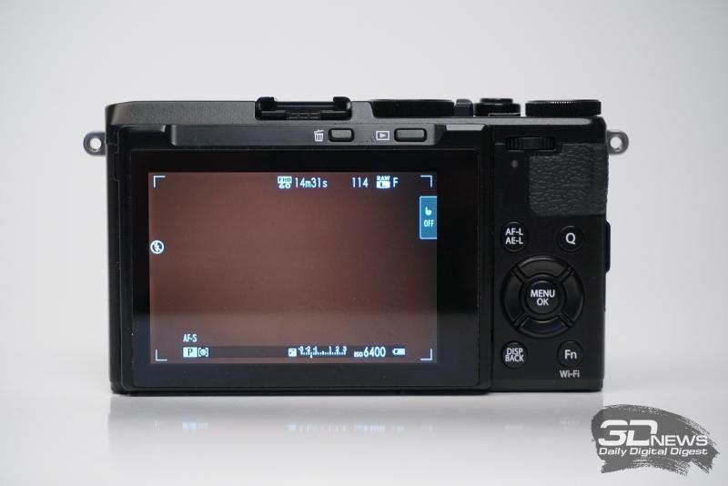 Fujifilm X70, тыльная панель