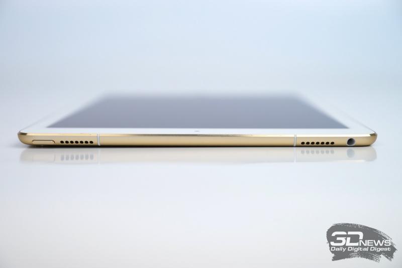 Apple iPad Pro 9,7, верхняя грань: кнопка включения, миниджек для наушников и еще два динамика