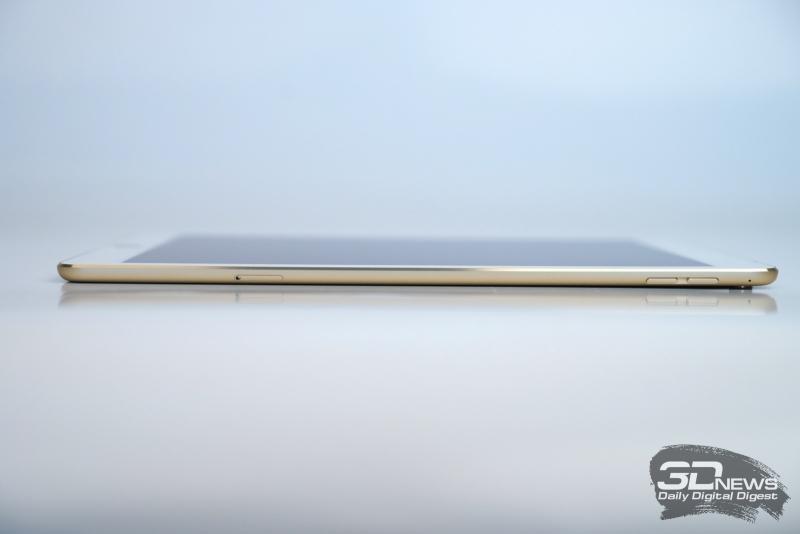 Apple iPad Pro 9,7, правая грань: слот для Nano-SIM, две кнопки регулировки громкости