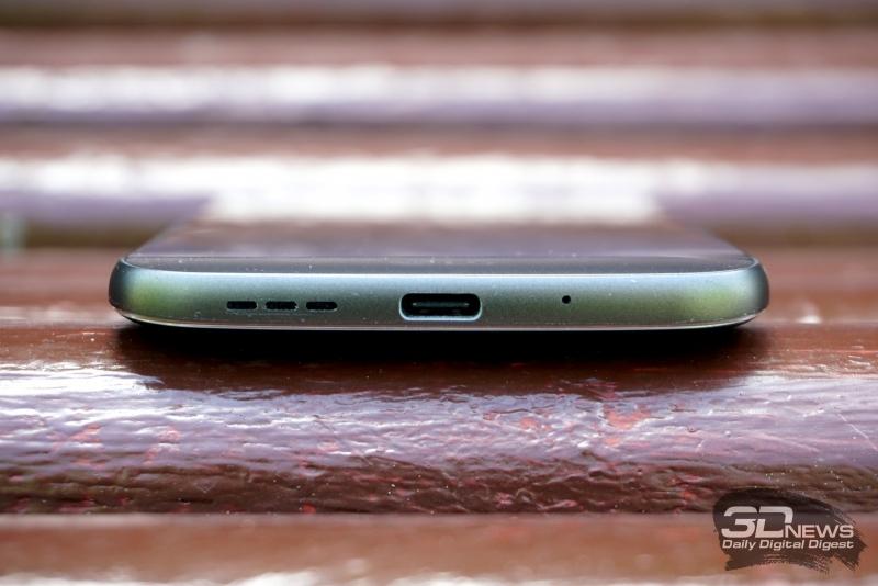 LG G5 se, нижняя грань: разговорный микрофон, динамик, порт USB Type-C