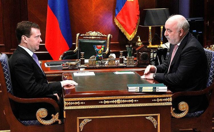 Встреча Медведева с президентом Фонда «Сколково» Вексельбергом в 2011 году