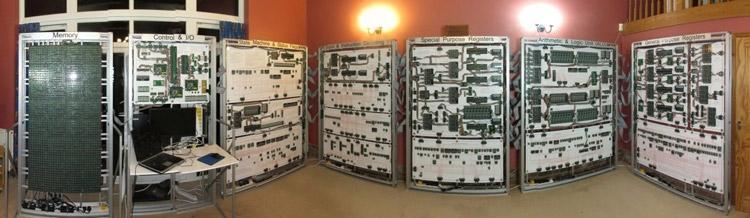 Megaprocessor собран в гостиной дачного домика Ньюмана в Кембридже