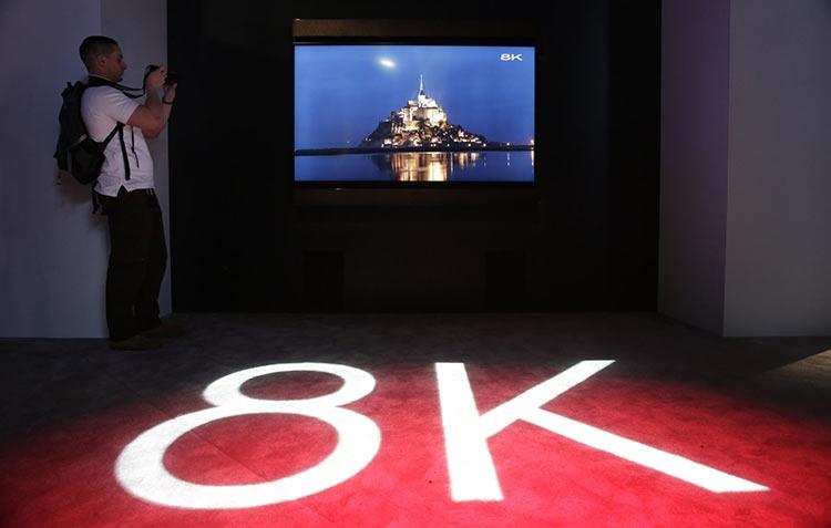 85-дюймовый LED-телевизор Sharp с разрешением 8K на выставке CES 2016