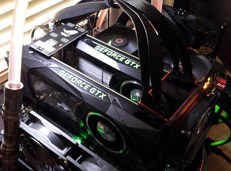 jpmboy загрузил фото «компьютера мечты» с двумя картами GP102