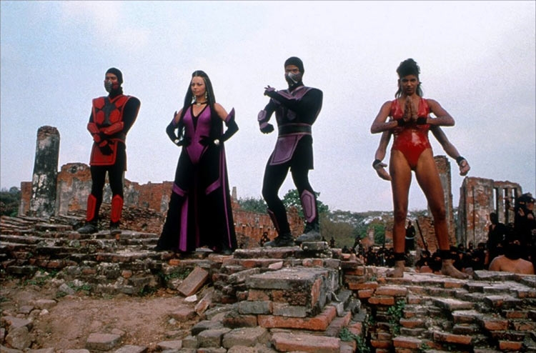Кадр из фильма «Смертельная битва 2: Истребление» 1997 года
