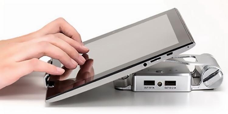 Даже использование виртуальной клавиатуры становится проще