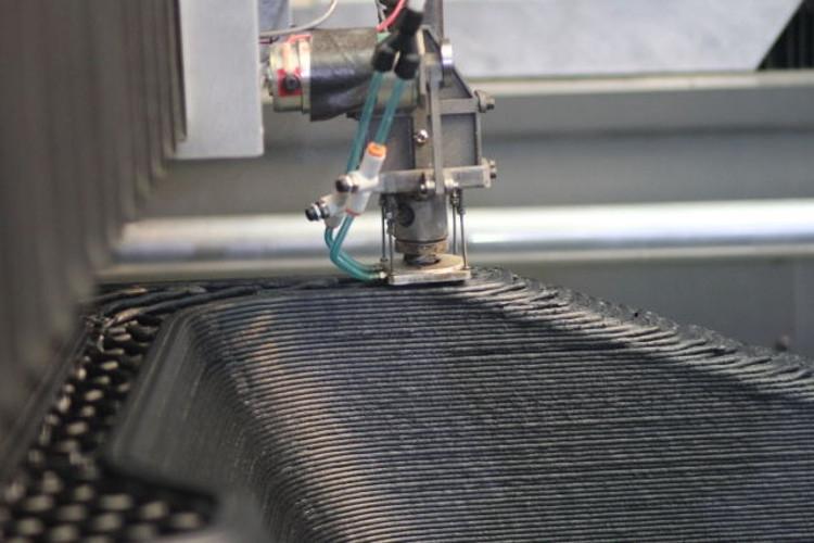 Создание на 3D-принтере пластика, усиленного углеродными волокнами