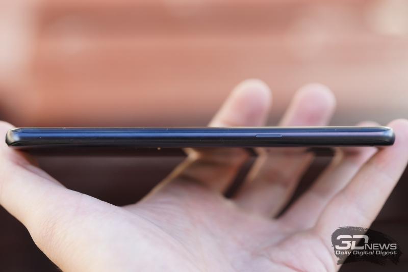 Samsung Galaxy Note 7, правая грань: кнопка включения и блокировки аппарата