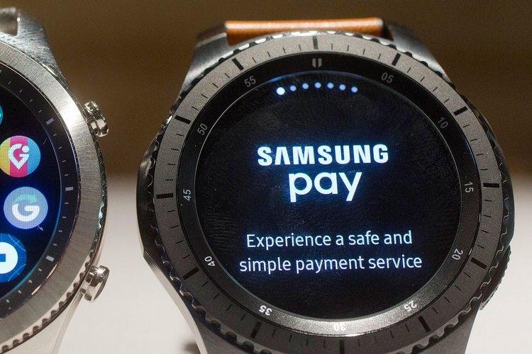 Российские банки активно готовятся к запуску сервисов Apple Pay и Samsung Pay