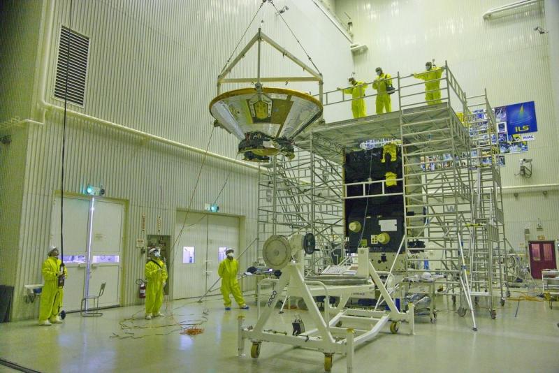 Сборка межпланетного аппарата ExoMars-2016 на космодроме Байконур. Фото Роскосмоса