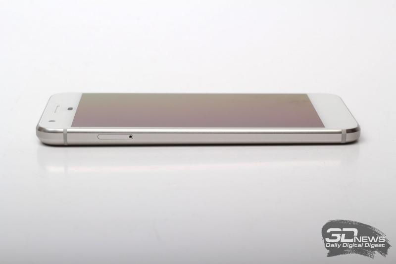 Google Pixel, левая грань: слот для SIM-карты