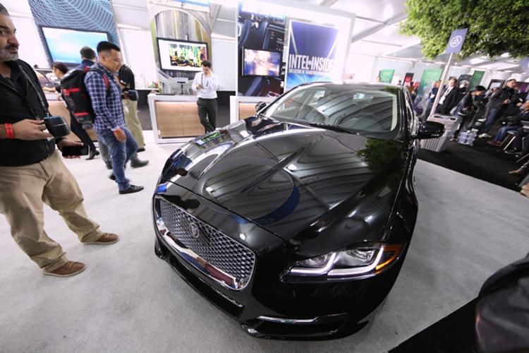 Intel демонстрирует свои последние разработки на Автосалоне в Лос-Анджелесе
