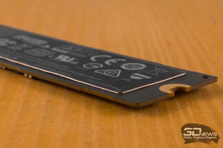 Медная наклейка на Samsung 960 Pro слишком тонка, да и расположена с обратной стороны платы