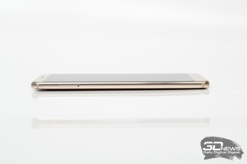 Huawei Mate 9, левая грань: слот для SIM-карт и карточки памяти microSD