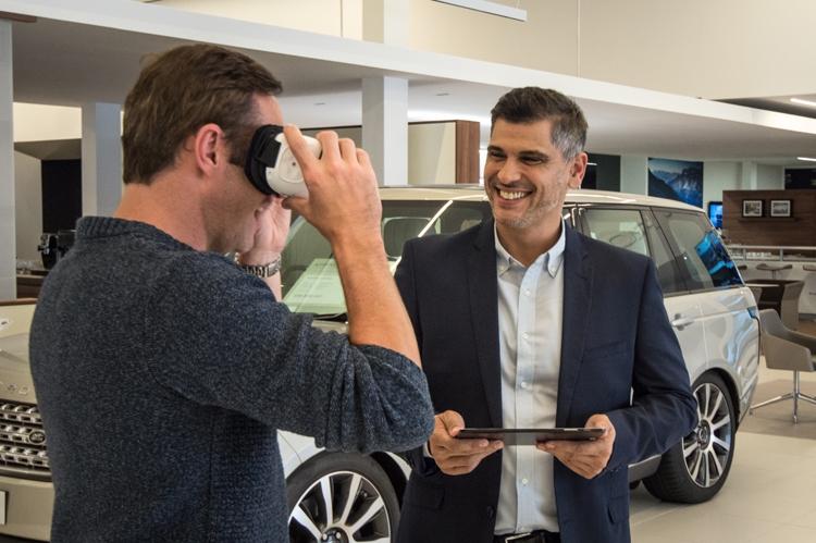 Jaguar Land Rover познакомит с автомобилями с помощью виртуальной реальности
