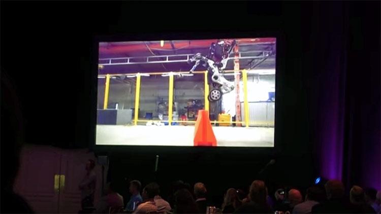Boston Dynamics занята созданием колёсных роботов