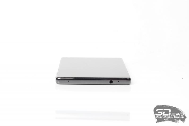 Xiaomi Mi MIX, верхняя грань: миниджек (3,5 мм) для наушников/гарнитуры и два микрофона