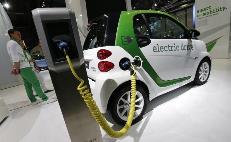 Автомобили Smart в США полностью перейдут на электротягу