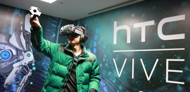 HTC проектирует мобильную гарнитуру виртуальной реальности