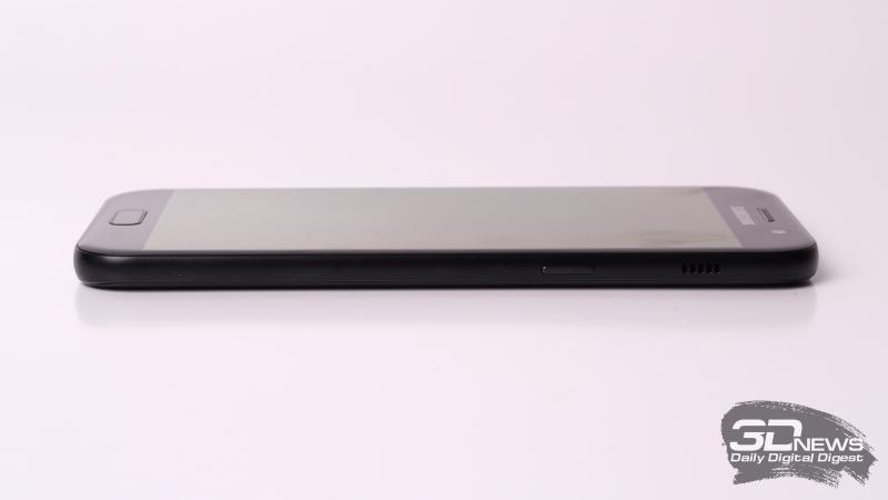 Samsung A-series, правая грань (на примере A5): клавиша включения и основной динамик