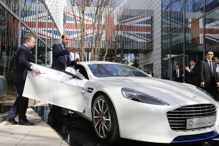 Mercedes-Benz не хочет покупать Aston Martin