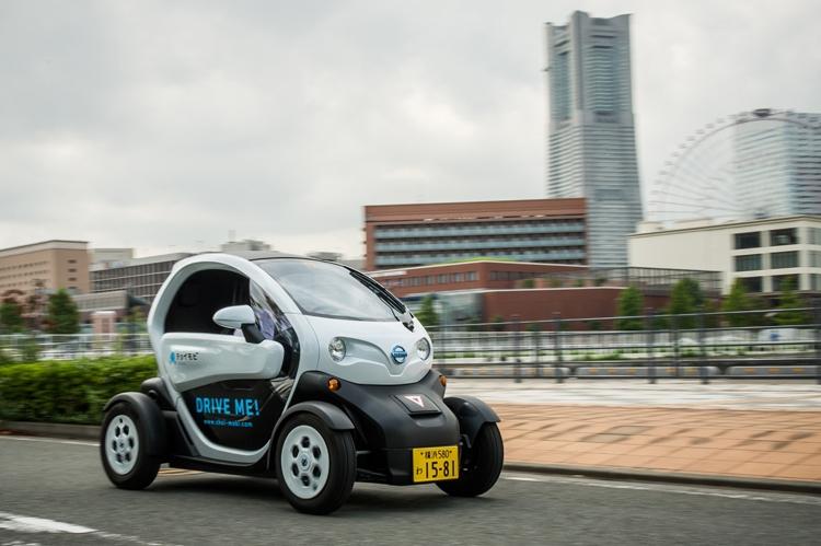 В Японии заработал сервис каршеринга сверхкомпактных электромобилей Nissan