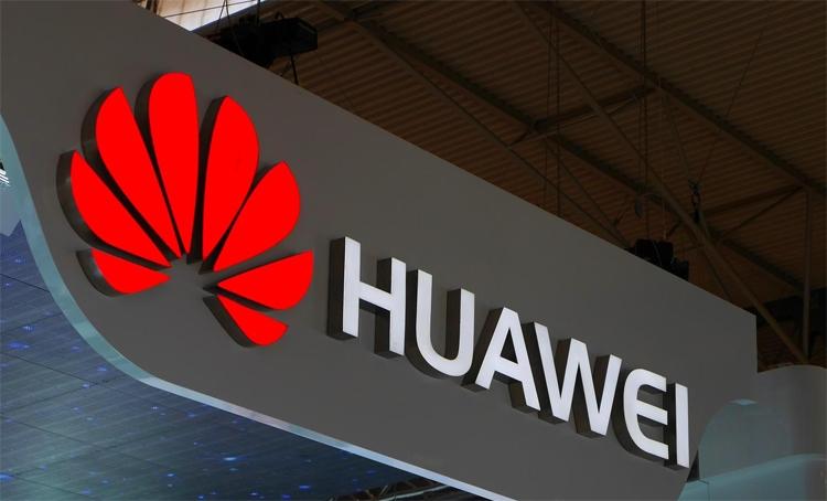 Huawei готовит полностью безрамочный смартфон