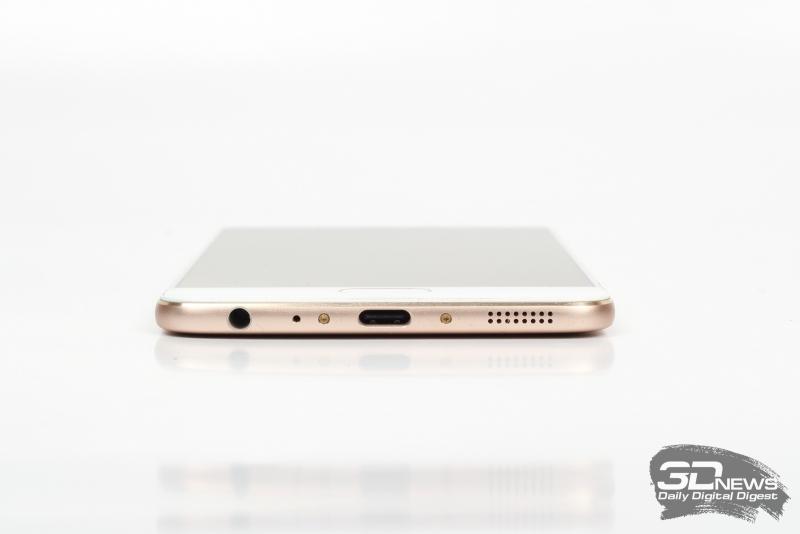 Meizu Pro 6 Plus, нижняя грань: аудиоразъем 3,5-мм для гарнитуры или наушников, основной динамик и разъем USB Type-C для соединения с компьютером и зарядки