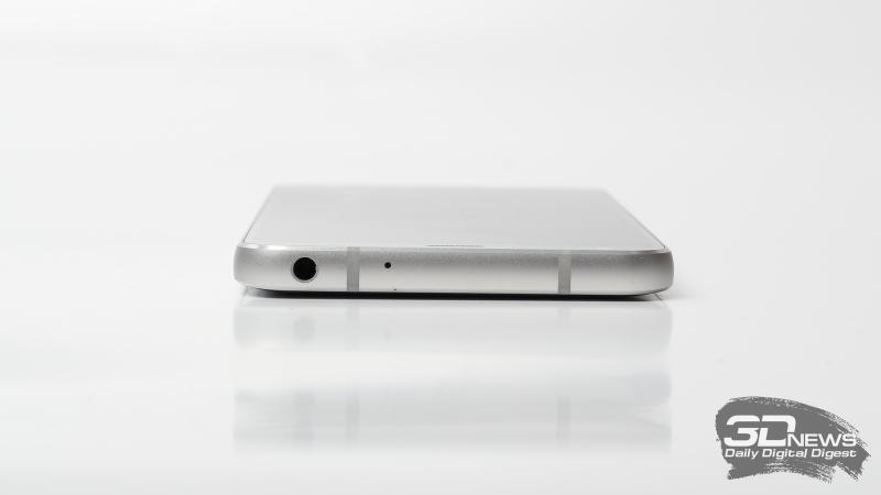 LG G6, верхняя грань: микрофон и миниджек