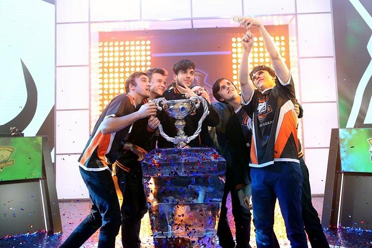 Virtus.pro стала чемпионом Континентальной лиги
