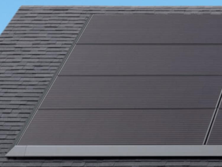 Panasonic займётся выпуском для Tesla солнечных панелей, не требующих демонтажных работ при установке