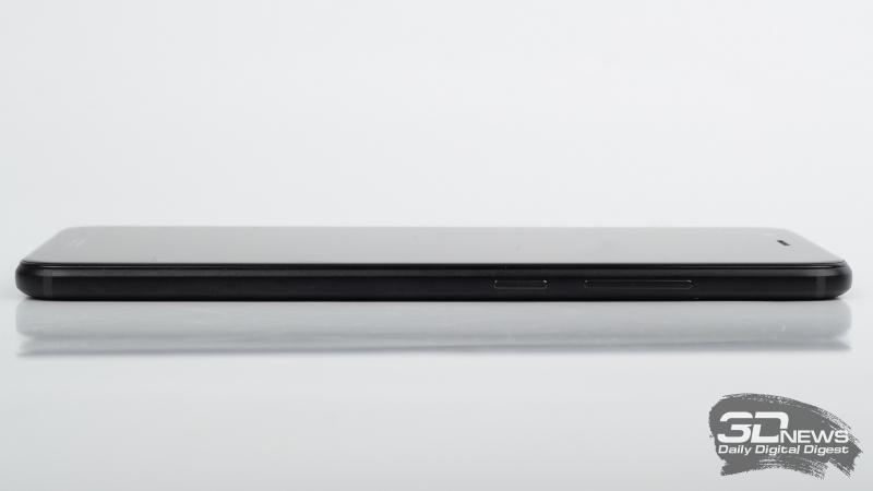 Honor 8 Pro, правая грань: клавиша громкости и расположенная под ней клавиша включения