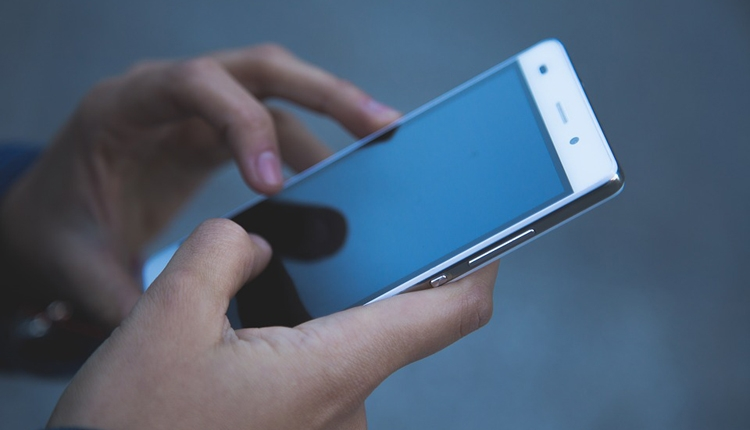 Российские абоненты сотовой связи тратят всё больше времени на разговоры