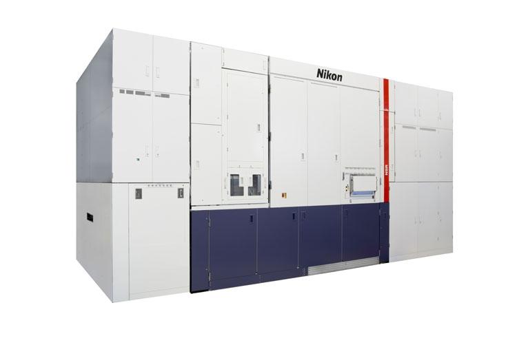 Опытный сканер Nikon для обработки пластин диаметром 450 мм